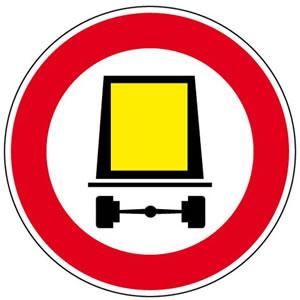 Panneau accès interdit aux véhicules transportant des marchandises dangereuses
