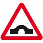 Hump bridge road sign