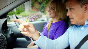 Automatic or manual driving lessons, which should I choose?